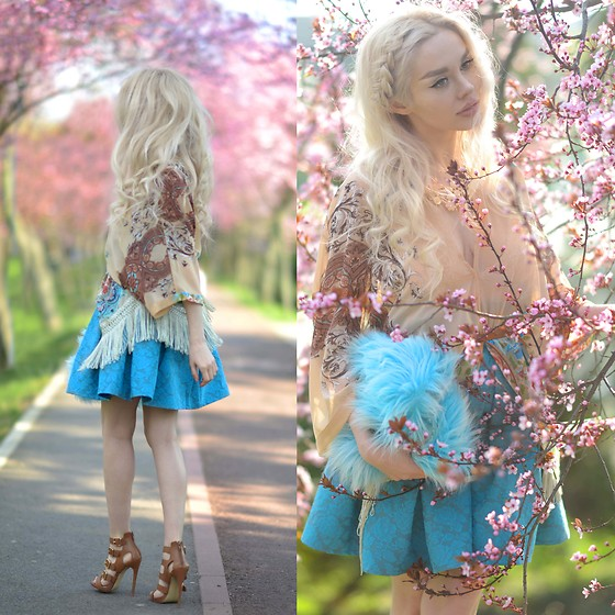Meda Motisan - Chic Wish Skirt, Steve Madden Sandals - Aqua skirt and pink blooming