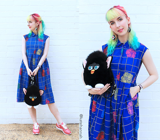 Kate Hannah - Ziztar Flower/Grid Dress, Ichi Knee Sushi Earrings, Furby Backpack (Vintage), Reebok Classic, Daniel Wellington Classic Southhampton Watch - Bluebell