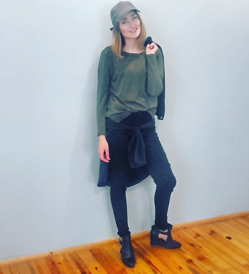 NATALIA K - Zara Black Pants, Sinsay Blouse, Mohito Shoes - A little green | fashionfromtheabyss