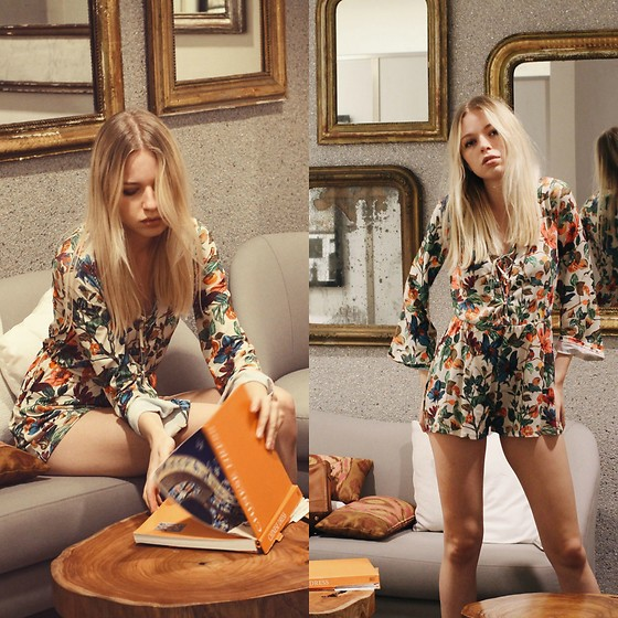 Julia Roga -  - THAT 70S STYLE