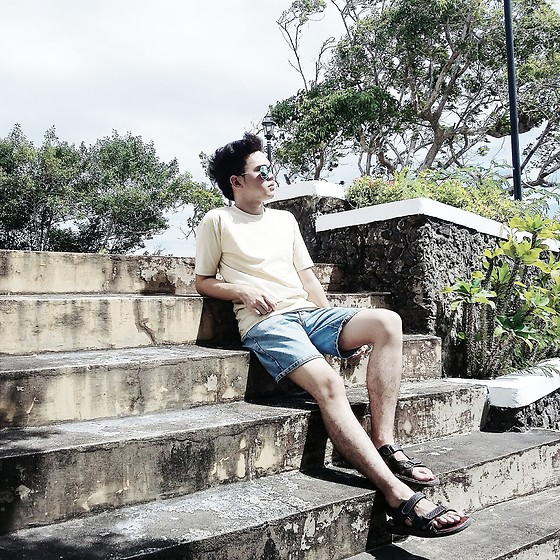 Ramoel Buhat - Cream Round Neck Shirt, Acid Washed Denim Shorts, Brown Gladiator Sandal - Dairy in Summer