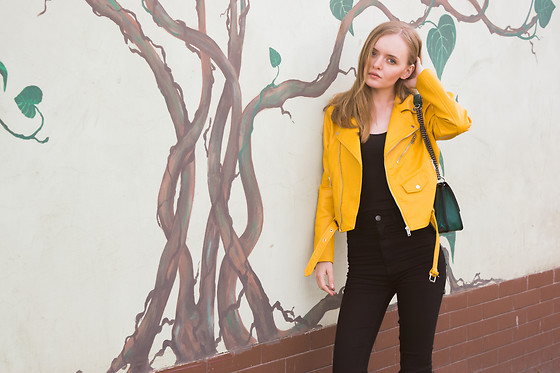 Paint it blonde - Zara Yellow Jacket, Tally Weijl Black Highwest Pants - Canary girl