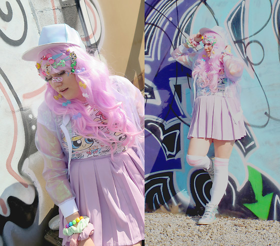 PastelKawaii Barbie - Delias* Powerpuff Girls Tee, Mola Holographic Sheer Jacket, Ebay Pleated Lavende Shirt, Inu Holographic Hat, Victorous Style Pink Soccer Thigh Highs, Amazon Holographic Shoes - ♫... and we'll be fighting crime...♫
