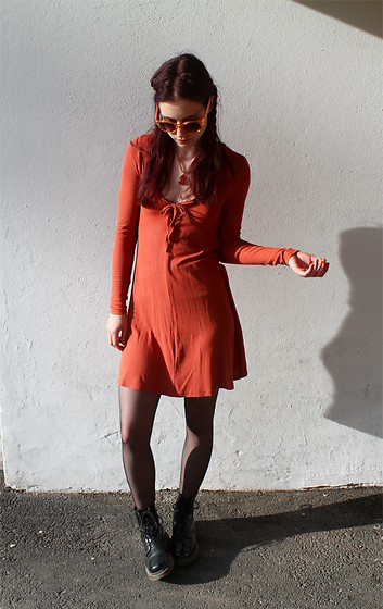 Veera Johanna - H&M Sunglasses, Gina Tricot Necklace, Gina Tricot Dress, Dr. Martens Boots - Rust