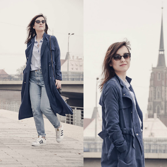Daria R. -  - Adidas superstars in elegant outfit