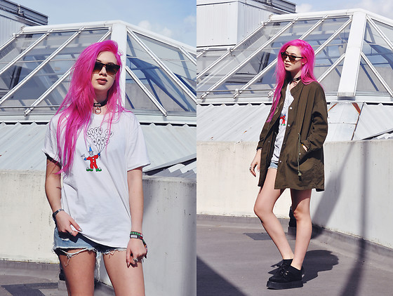 Amy Valentine - Unif Life Is Hard Tee, Unif Distressed Hangover Shorts, Unif Crusher Parka, Underground Wulfrun Creepers - LIFE IS HARD