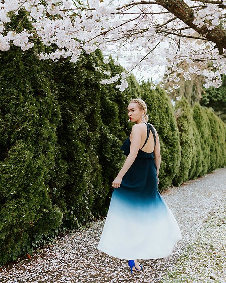 Jessica Luxe - Ombre Dress, Blue Heels - How to Get the Blossom Shot