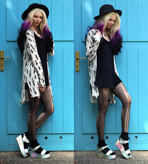 Liza LaBoheme - Allison Futura Wig, H&M Feather Kimono, Topshop Ruffled Socks - The past is written, the ink is dry