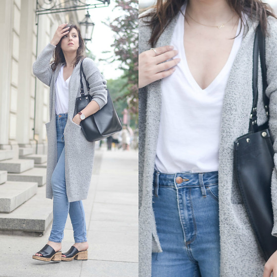 Daria R. -  - Jeans, v-neck t-shirt, long cardigan