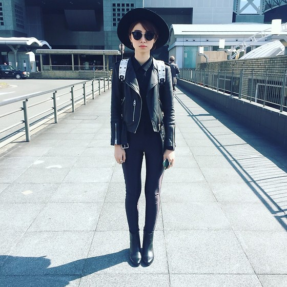 'KI WONG - Mcm Backpack, American Apparel Disco Pant, Allsaints Leather Jackets, Asos Leather Boots, Lazycatshop Like A Cat Sunglasses - All Black