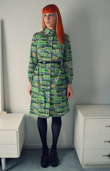 Alphie LaFray - Vintage Green Dress, H&M Heeled Lace Ups - Look outside at the raincoats coming, say OH