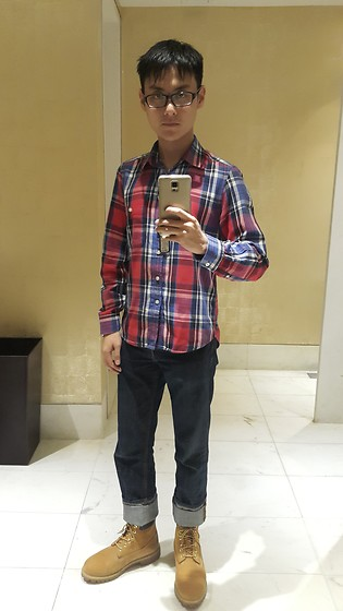 Aloy Chua - Tartan Button Down, Uniqlo Dark Blue Jeans, Timberland Wheat Work Boots - On birthdays we wear red.