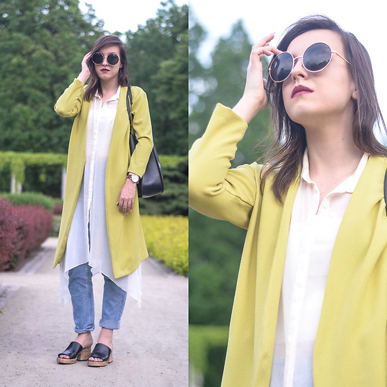 Daria R. -  - Yellow coat, mom jeans, cork zara sandals, long vest