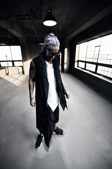 INWON LEE - Byther Studded Sunglasses, Byther Black Color Draped Cardigan, Byther Black Triangular Shape Cut Up Pants - Dark Gothic Avantgarde