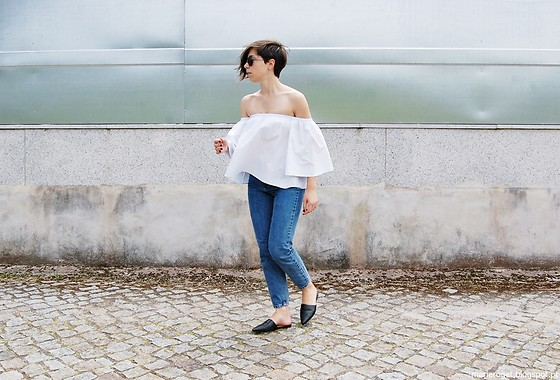 Maria Marques - Romwe Off Shoulder, Pull & Bear Mom Jeans, H&M Flat Mules - Mom jeans +Off Shoulder Top
