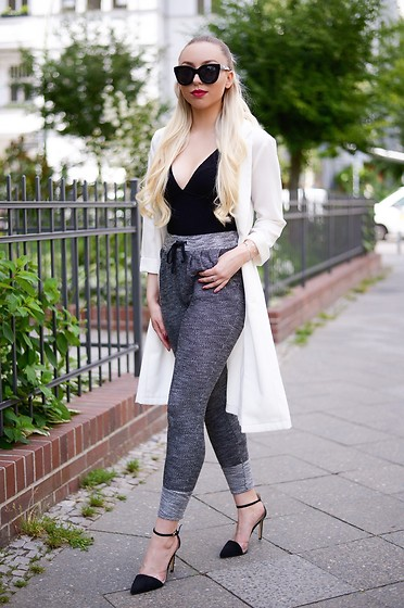 Vanessa Kandzia -  - HOW TO WEAR CASUAL JOGGERS IN A CHIC WAY