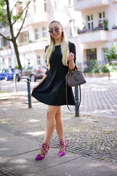 Vanessa Kandzia - Style Moi Dress, Style Moi Dress #2 - WHAT TO WEAR FOR SUMMER: THE LITTLE BLACK DRESS