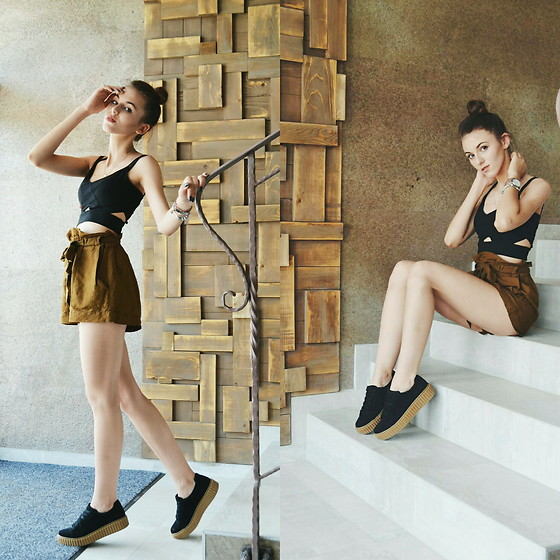 Emma Pavel - Bershka Black Sneakers - Black and Brown
