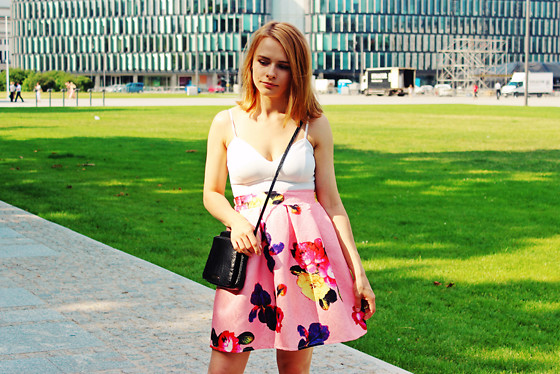 Marta S. - New Look White Top, Romwe Pink Floral Skirt - First summer look