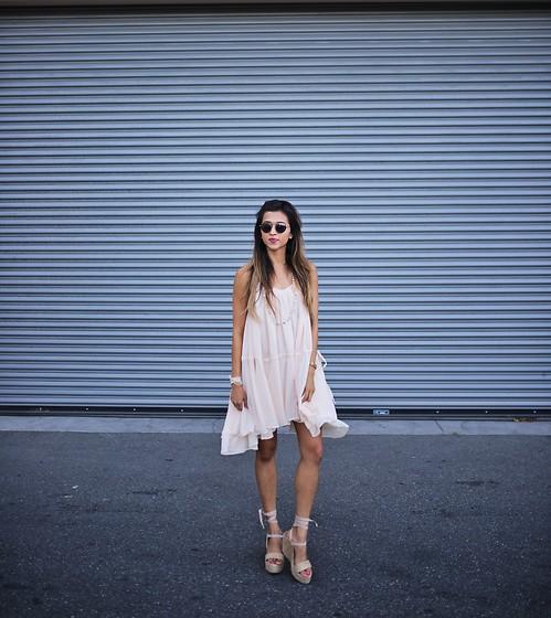 Lisa Linh -