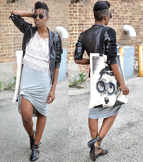 Sushanna M. - Zerouv Chome Crosshair Sunglasses, Black Slotted Ankle Booties - Unzip & Rewind