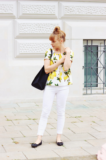 Marta S. - Sheinside Lemon Blouse, Sheinside Black Shopper Bag, Black Shoes - Shein look • Lemon Power