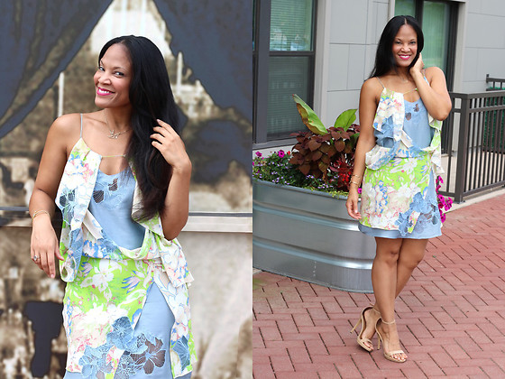 Johnnalynn Lynch -  - Pretty Silk Floral Dress
