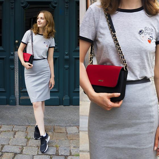 Dar Leve Educación  Elena Kotonskaya - Dkny Bag, Monki T Shirt, Uniqlo Skirt, Nike Shoes -  24/07/2016 | LOOKBOOK