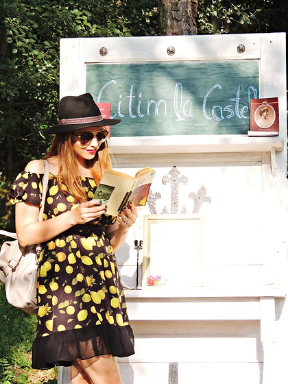 Daniela Macsim - Chicuu Lemon Print Dress, C&A Hat, Rena Bag, Clockhouse Sunnies - Reading at the castle