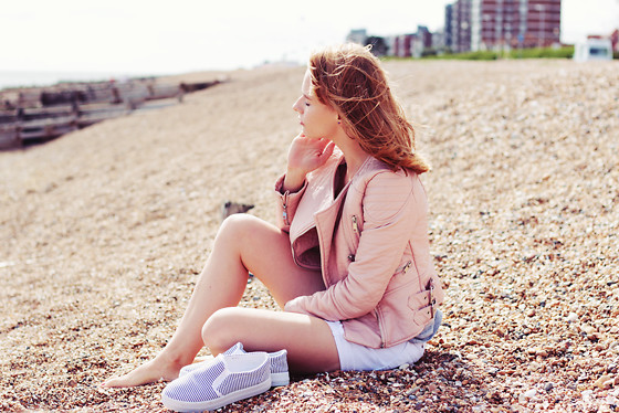 Marta S. - Pink Leather Jacket, White Denim Shorts / Similar Here, Striped Slip On Shoes - Beach outfit