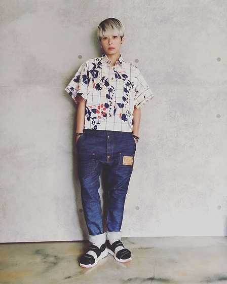 Joyce Chang - Vivienne Westwood Pattern Shirt, Mercibeacoup Jeans, Mercibeaucoup Sandals - Tomboy look