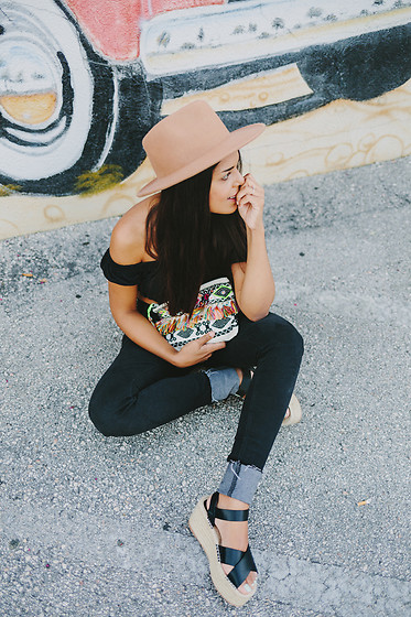 Nydia Enid - Asos Off Shoulder Top, Asos Aztec Print Clutch, Pull & Bear Espadrilles Platforms - All Black Look