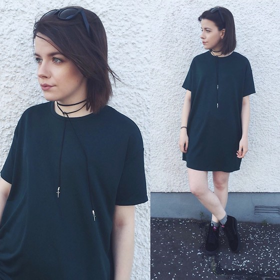 Natasha Hide - Zara T Shirt Dress, Sk8 Hi Black Sneakers, Empty Casket (Online Store) Suede Choker Necklace - That oversized T-shirt dress