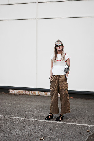 Daniella Robins - Urban Outfitters Trousers - Styling My Summer Sale Buys