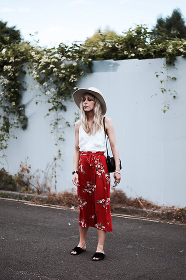 Daniella Robins - Marks & Spencer Skirt - Getting My #Summervibes On