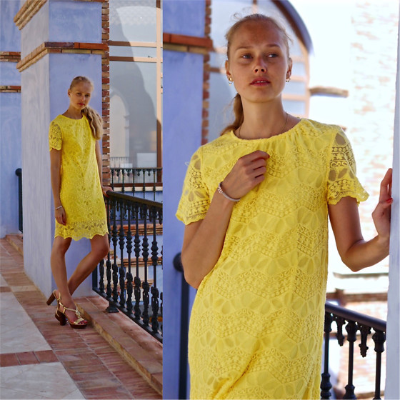 Frederique - fablefrique.com -  - Yellow dress