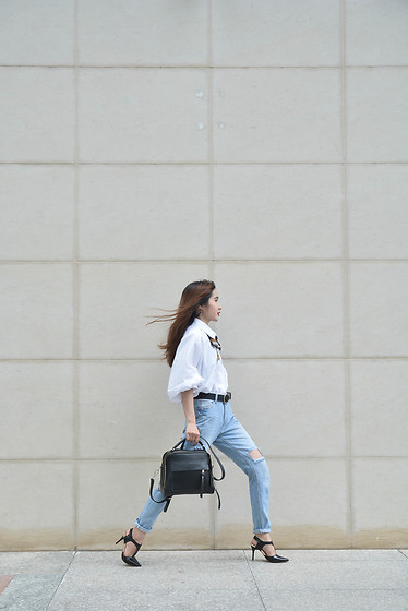 Ang Nguyen - Date Shop White Oversize Chemise, Date Shop Ripped Jeans - Refresh on weekend