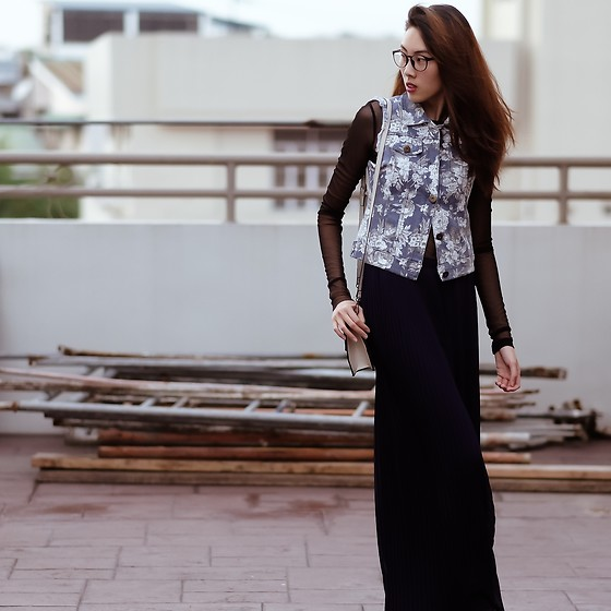 Kara C - Zara Pleated Pants, Zara Mesh Sleeves - Floral Denim