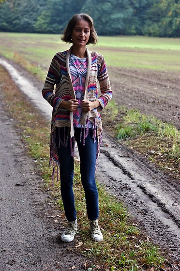 Monikuella ... - Shein Cardigan, New Look T Shirt, Ccc Boots - 232