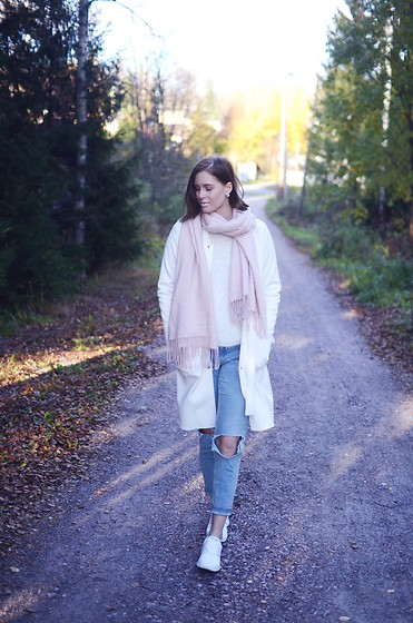 Anna K - Cubus Scarf, Gina Tricot Jacket, H&M Jeans, Adidas Shoes - White, pink and blue
