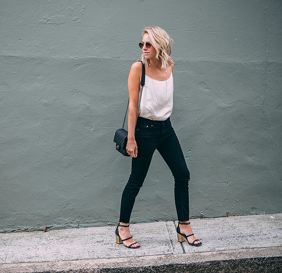 Lian G. - Chanel Bag, Jeans H&M, Senso Shoes, Topshop Sunnies - Silk Top