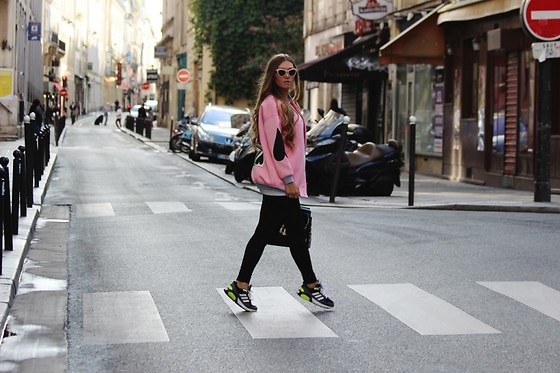 Lena W -  - PARIS CITY STROLL