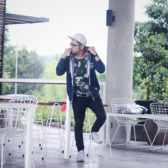 Poldo Napitupulu - Adidas Zx Flux, Bershka Black Denim, Zara Tees, Topman Cap - I need vacation
