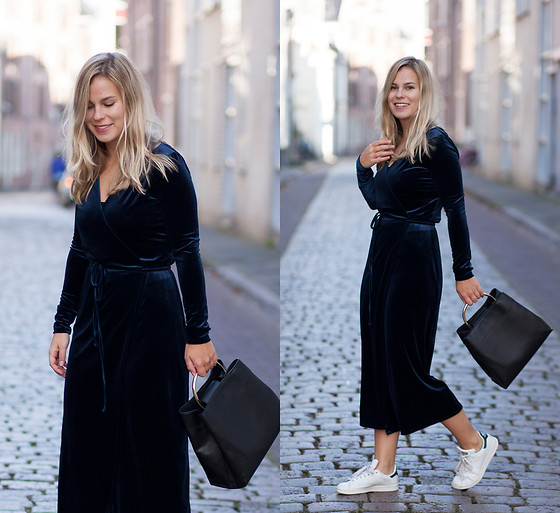 Jules V - Vila Velvet Dress, Mango Bag, Adidas Stan Smith - Blue Velvet