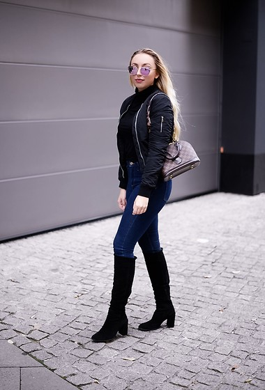 Vanessa Kandzia -  - HOW TO STYLE A BOMBER JACKET FOR FALL