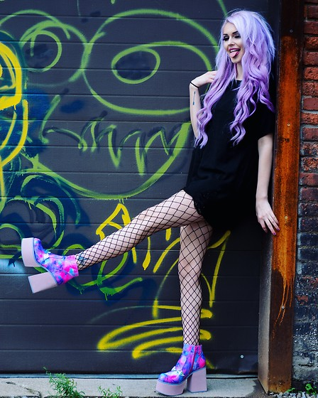 Alyssa Claire - Disturbia Black Ripped Tunic Top, Yru Purple Platforms - Sweet serial killer