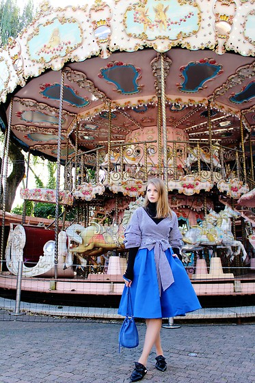 Julia - Sheinside Top, H&M Sweater, Make Me Chic Skirt, Zara Shoes, H&M Bag - By the carousel