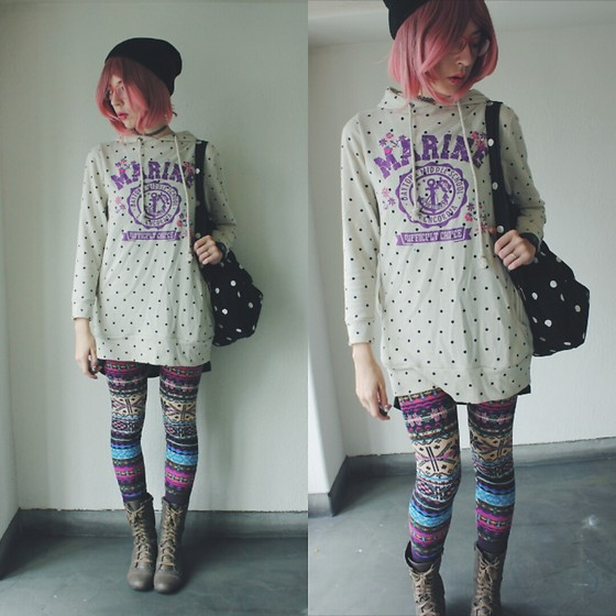 Candy Thorne - Donki Hote Hoodie Dress, Thai Market Fleece Leggings - Winter Sailor