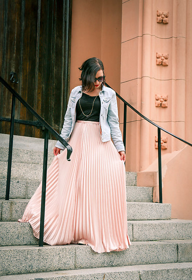 Lindsey Puls - Shein Maxi Skirt, Hollister Jean Jacket - For the love of maxi skirts