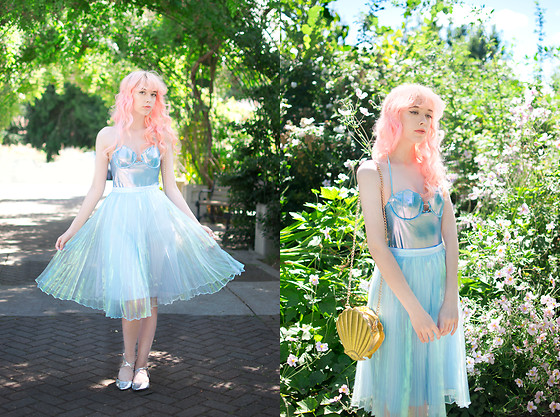 Kailey Flyte - Margarita Mermaid Shell Swimsuit, Inu Iridescent Skirt, Skinnydip London Shell Purse, Asos Silver Flats - Mermaid Lagoon